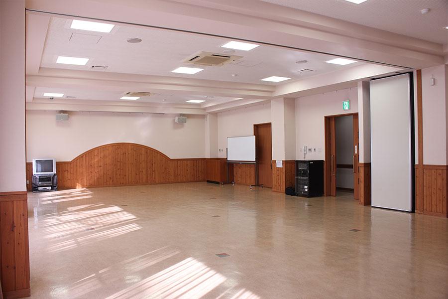 神戸市魚崎財産区 魚崎西町会館 : 集会室(大)