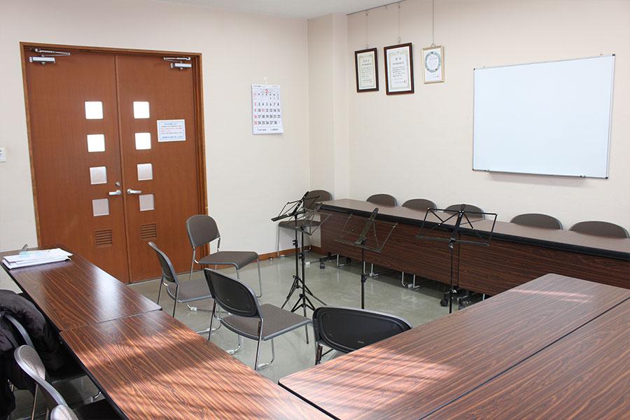 神戸市魚崎財産区 魚崎西町会館 : 会議室