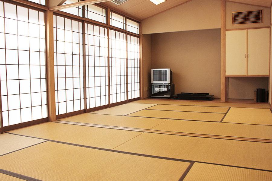 神戸市魚崎財産区 魚崎西町会館 : 和室(西)