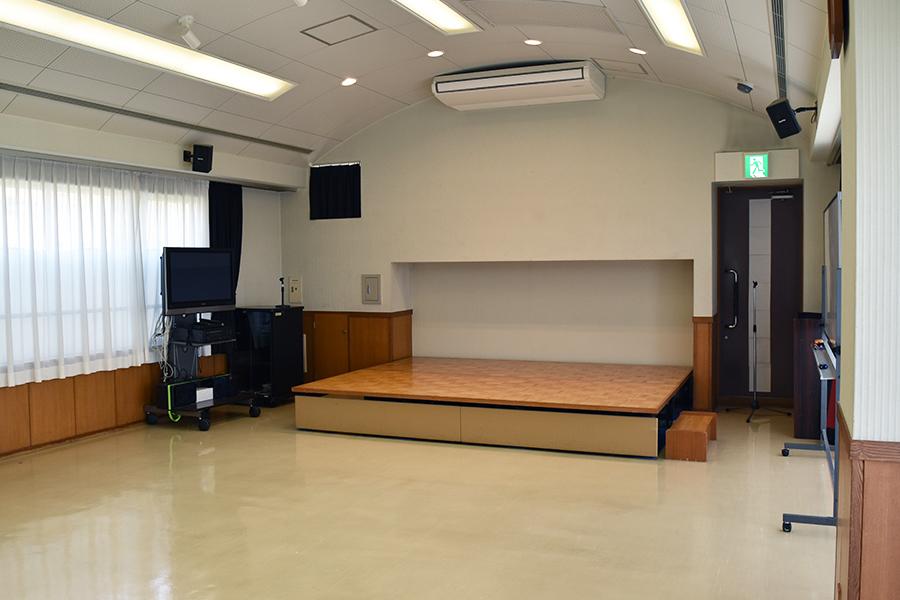 神戸市魚崎財産区 横屋会館 : 会議室(3階)